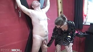 Femdom worships a German Slave in Bondage